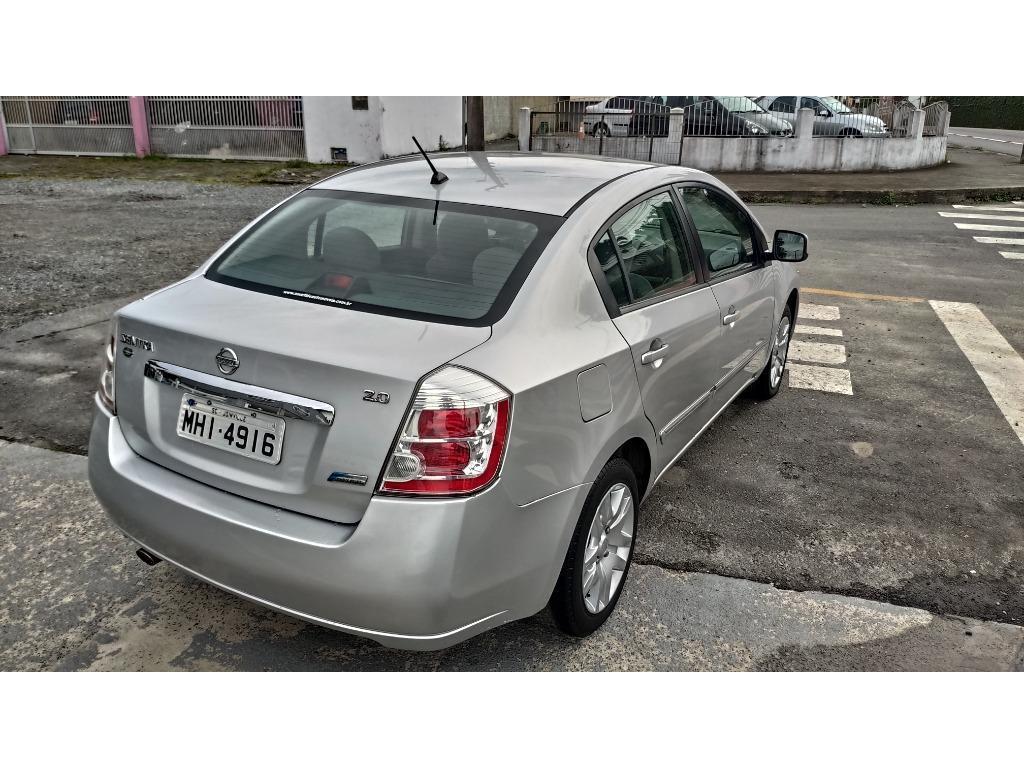 Nissan Sentra 2.0 S 2010