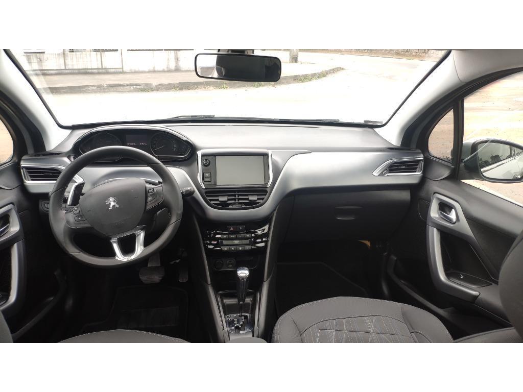 Peugeot 208 Griffe  2014